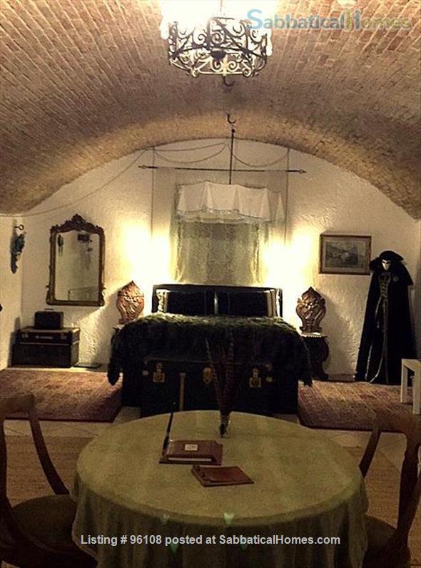 Medieval 160m, 2 bedroom Palazzo apartment in Via Castiglione, Central Bologna. Rated 9.3 / 10 Home Rental in Bologna, Emilia-Romagna, Italy 2