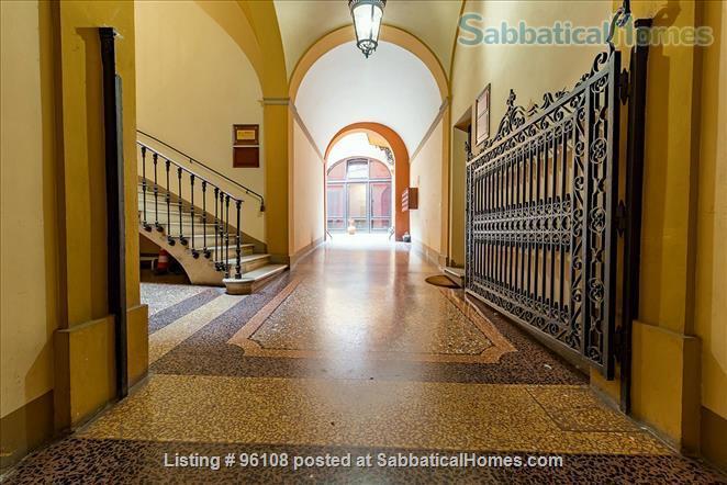 Medieval 160m, 2 bedroom Palazzo apartment in Via Castiglione, Central Bologna. Rated 9.3 / 10 Home Rental in Bologna, Emilia-Romagna, Italy 5