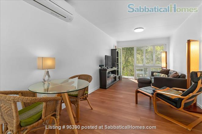 Parkside Apartment Walk  or Bus To  UQ  in Minutes Home Rental in Indooroopilly, Queensland, Australia 1