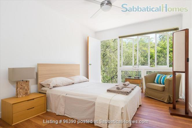 Parkside Apartment Walk  or Bus To  UQ  in Minutes Home Rental in Indooroopilly, Queensland, Australia 5