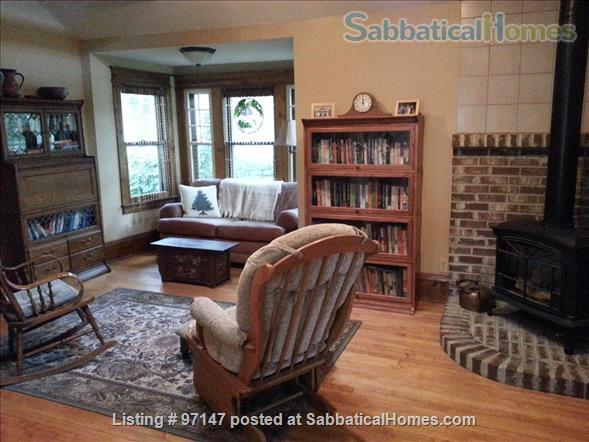 Charming 1920's Bungalow Home Rental in Minneapolis, Minnesota, United States 0