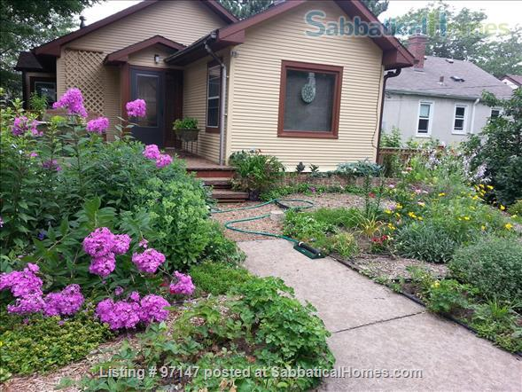 Charming 1920's Bungalow Home Rental in Minneapolis, Minnesota, United States 6