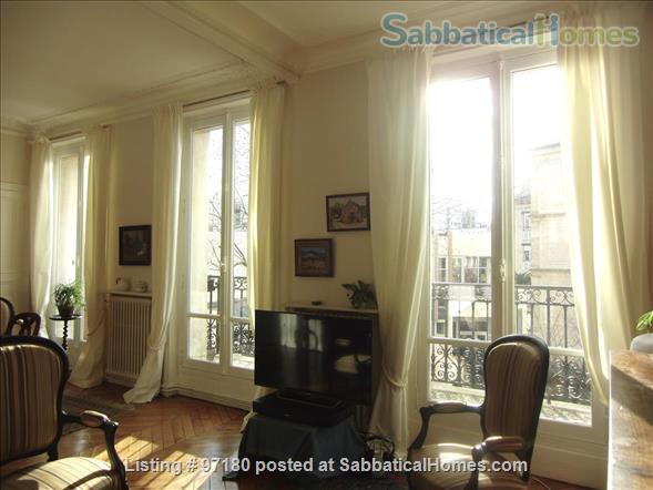 Spend a wonderful summer and fall in this Parisian delight! Home Rental in Paris, Île-de-France, France 2