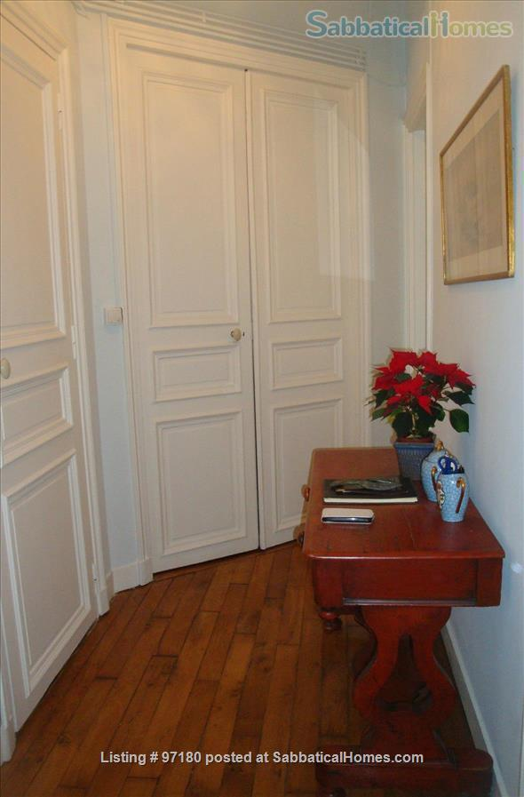 Spend a wonderful summer and fall in this Parisian delight! Home Rental in Paris, Île-de-France, France 6