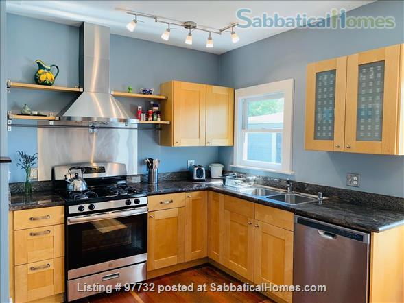 Sunny, Furnished Flat (2 Bedrooms + Office) incl fast internet & utilities Home Rental in Berkeley, California, United States 0