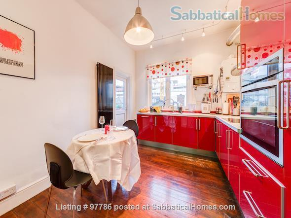 Lovely, spacious 3 bedroom flat in Central London, close to parks Home Exchange in  6