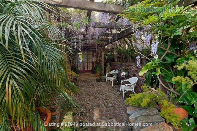 A Bird Song Cottage Luxurious Art and Garden Experince Home Rental in Santa Cruz, California, United States 0