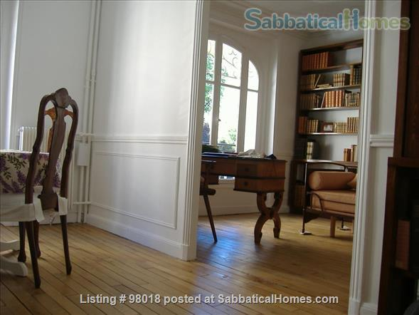 Parisian charm of a 3-room flat in front of the Buttes Chaumont Park Home Rental in Paris, Île-de-France, France 3