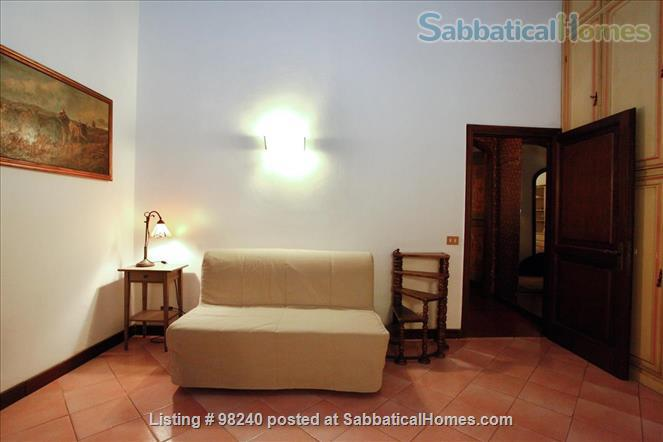 Charming 1 bedroom  near Piazza Navona & Vatican! Home Rental in Roma, Lazio, Italy 2