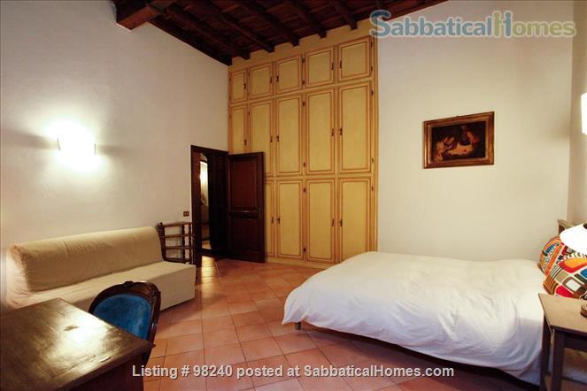Charming 1 bedroom  near Piazza Navona & Vatican! Home Rental in Roma, Lazio, Italy 3