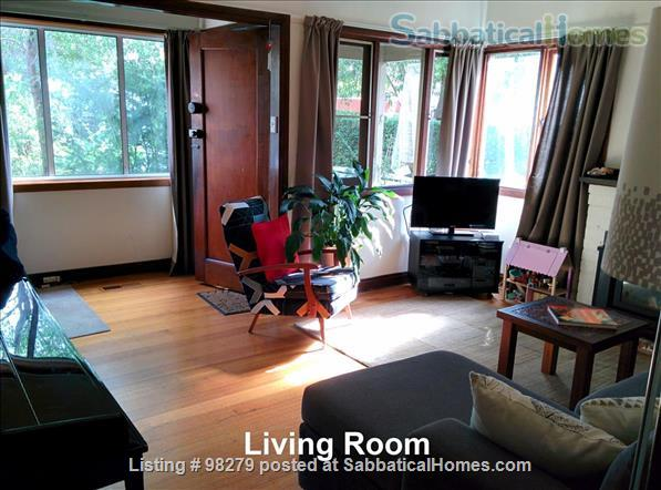 Charming 3 Bedroom Home in Melbourne's North - Easy Access to Universities and Surrounded by Parkland... City living doesn't get much better than this! Home Rental in Coburg, VIC, Australia 0