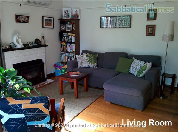 Charming 3 Bedroom Home in Melbourne's North - Easy Access to Universities and Surrounded by Parkland... City living doesn't get much better than this! Home Rental in Coburg, VIC, Australia 2