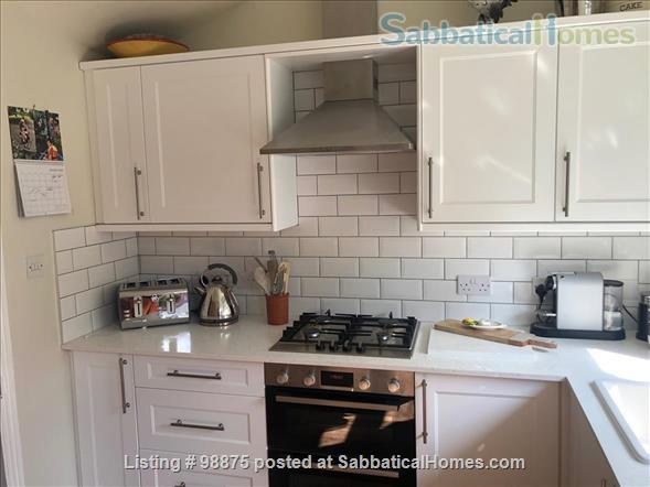 Large and comfortable en-suite studio Home Rental in Bounds Green, England, United Kingdom 8