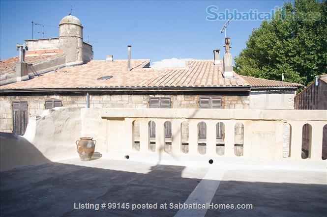 Charming and simple old house newly restored, downtown Arles, Provence, close to the Arénes, with a roof top terrasse Home Rental in Arles, PACA, France 9