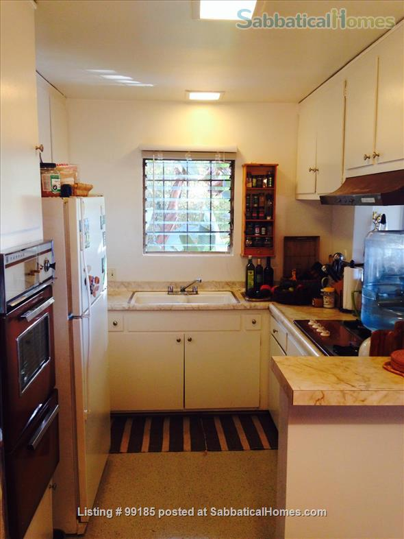 Shared Beautiful Space with Amazing Views Home Rental in Los Angeles, California, United States 8