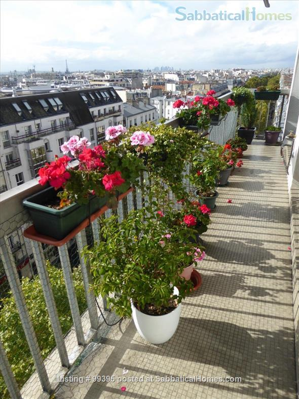Sunny flat with a fantastic panoramic view over Paris, 2 bedrooms and 1 large living room Home Rental in Paris, IDF, France 0