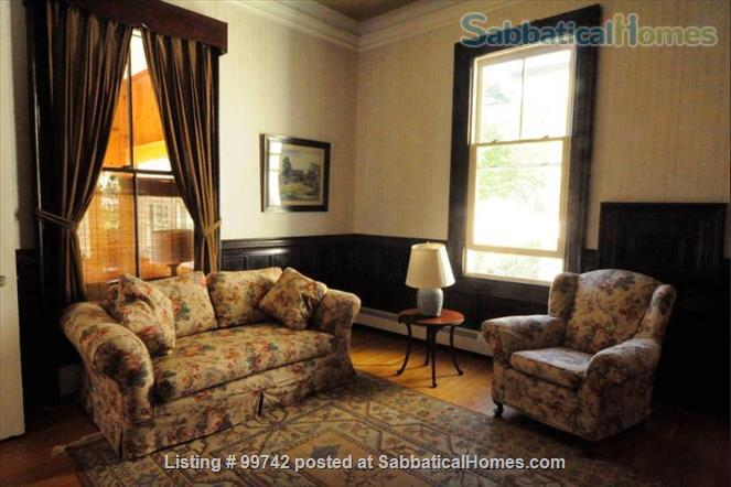 Apartment in Victorian House Home Rental in Watertown, Massachusetts, United States 4